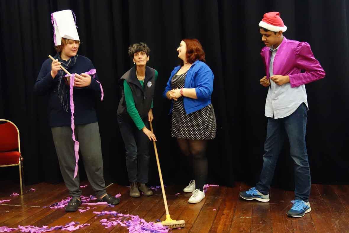 DADAA   Artlink School Holiday Programs   kids performing a comedy skit